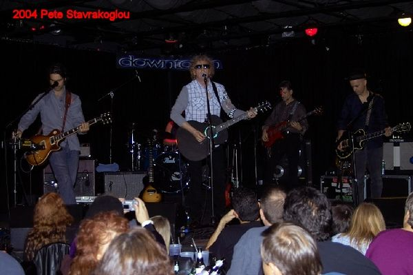 (L to R) Jack Petruzzelli, Ian Hunter, Graham Maby, and James Mastro - while Steve Holley lurks back in the dark.
