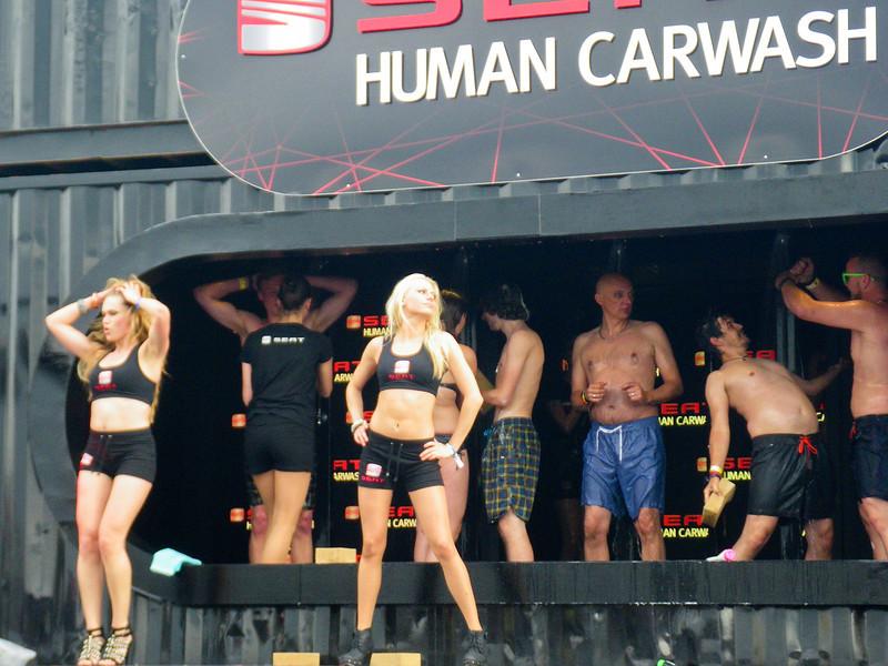 Human carwash sponsored by Seat