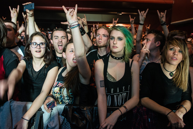 The young ones in the front rows (Arch Enemy) @ Le Splendid - Lille - France