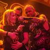Ivan Moody & meisje uit het publiek - Fiver Finger Death Punch