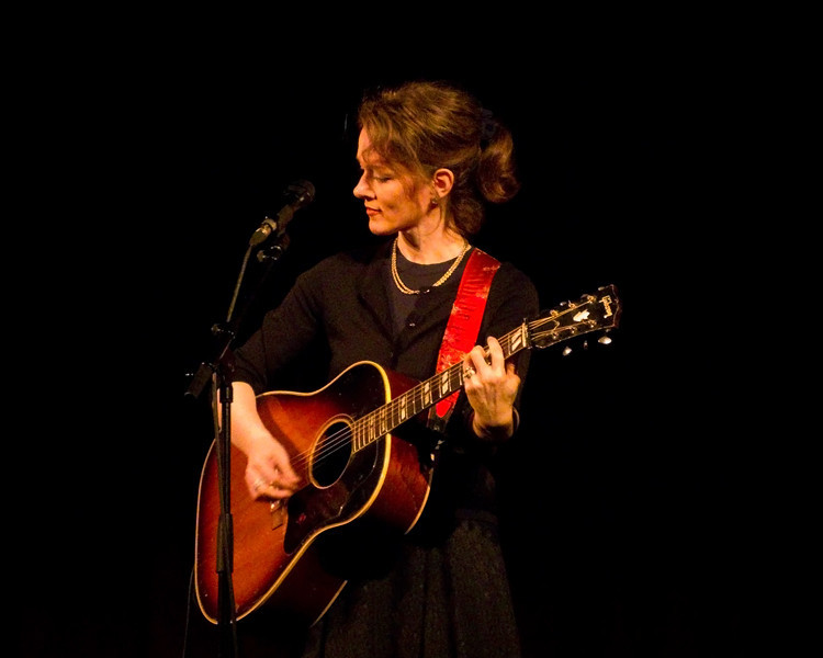 """Laura Cantrell @ Old Town Hall, Gateshead. <a href=""""http://www.jumpinhot.com"""">http://www.jumpinhot.com</a>"""