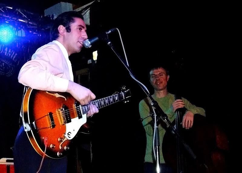 Pete Molinari @ Cluny Newcastle 2009