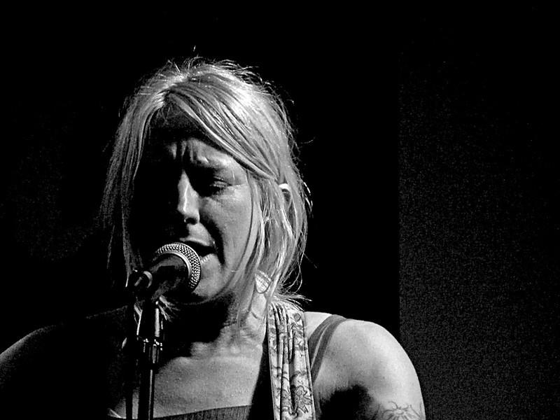 Carrie Elkin @ Central Bar, Gateshead 2011