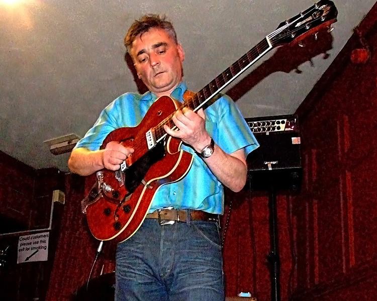 Joe Guillan @ Gateshead Central Bar 2010
