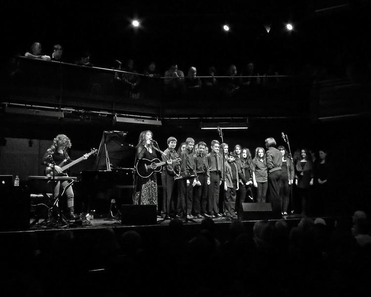 "Beth Nielsen Chapman with the St Emmanuel School Choir at ""Sage Gateshead"