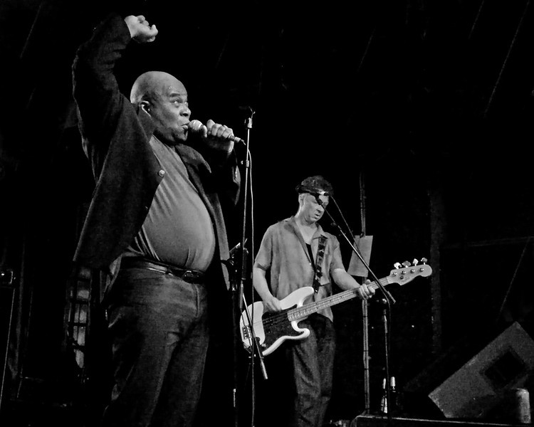 Barrence Whitfield and the Savages