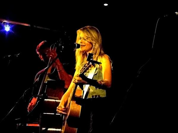 Elizabeth Cook @ Musician Leicester 2010