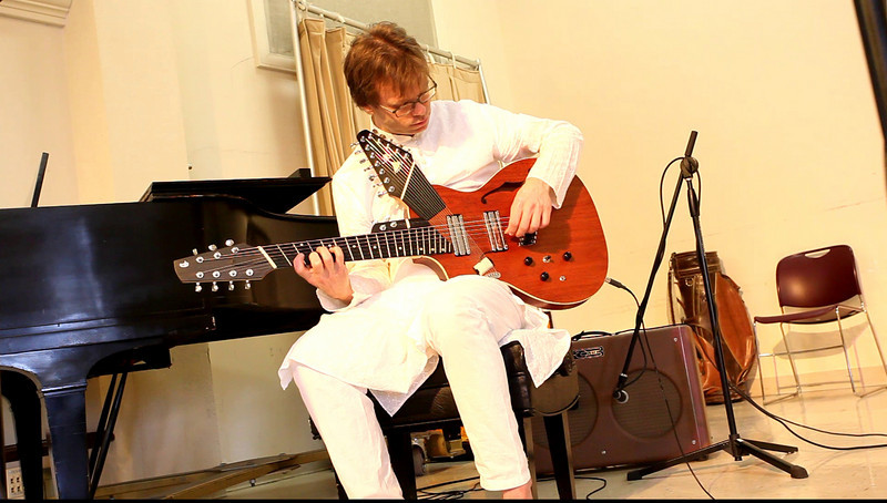 20090921 Jaafar Music, Carrboro Music Festival (4757[video], 413p, c2009 Dilip Barman)