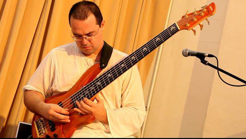 20090921 Jaafar Music, Carrboro Music Festival (4846[video], 431p, c2009 Dilip Barman)