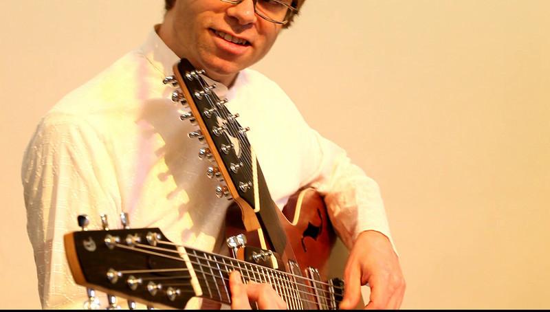 20090921 Jaafar Music, Carrboro Music Festival (4847[video], 431p, c2009 Dilip Barman)