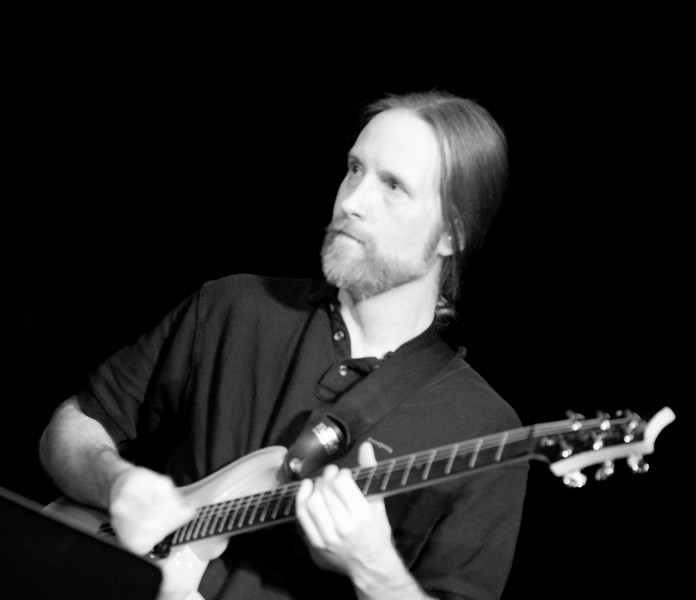 5 Dave Brown, Guitar, Jaafar Music - Sep 21 2007, Carrboro ArtsCenter (928p)