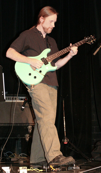 5 Dave Brown, Guitar, Jaafar Music - Sep 21 2007, Carrboro ArtsCenter (925p)