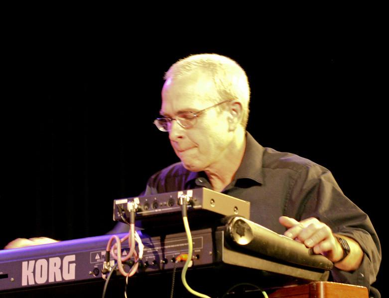 4 Jefferson Dalby, Keyboard, Jaafar Music - Sep 21 2007, Carrboro ArtsCenter (912p)