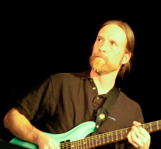 5 Dave Brown, Guitar, Jaafar Music - Sep 21 2007, Carrboro ArtsCenter (917p)