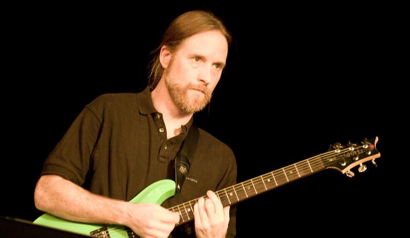5 Dave Brown, Guitar, Jaafar Music - Sep 21 2007, Carrboro ArtsCenter (1048p)