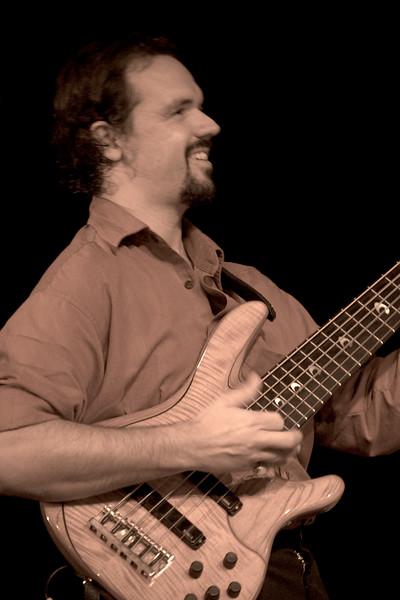 1 Troy Cole, Bass & Bndleadr, Jaafar Music - Sep 21 2007, Carrboro ArtsCenter (1041p)
