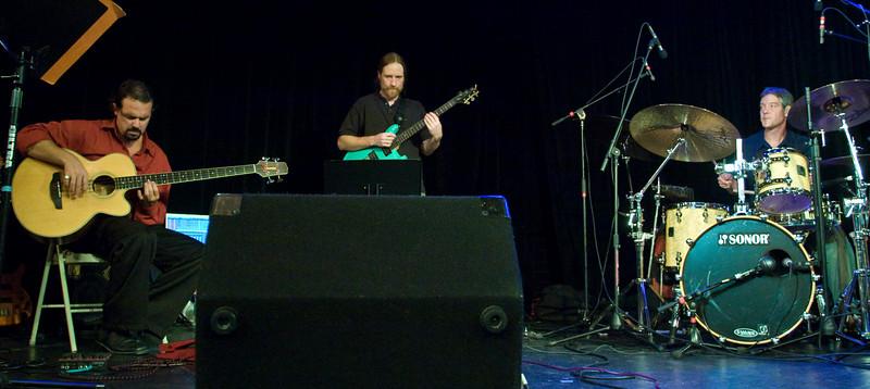 7 Jaafar Music - Sep 21 2007, Carrboro ArtsCenter (1005p)