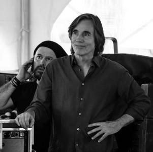 Carlos Varela and Jackson Browne, 2011.