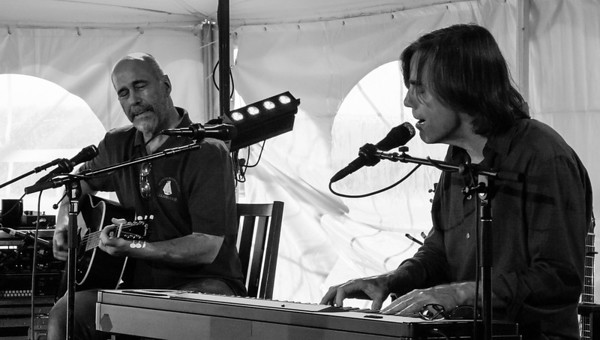 John Hall and Jackson Browne performing at the 2011 sponsors concert before the Clearwater Festival.