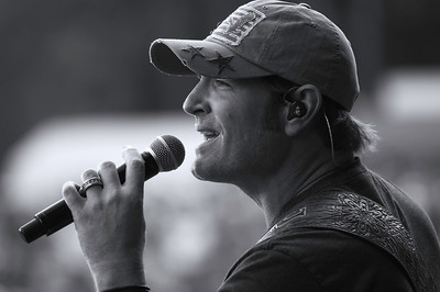 Jerrod Niemann ~ black and white