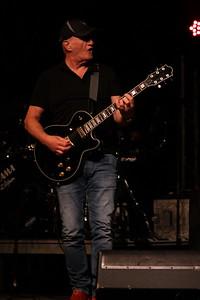 IMG_8421_JA_full_black_guitar