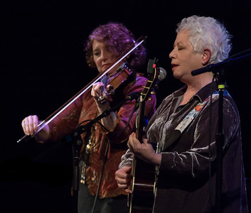 Janis Ian with Lisa Gutkin.
