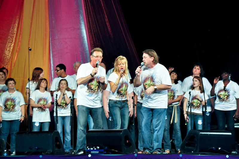Chip & Polly with the God's House Choir (Gospel Tent)