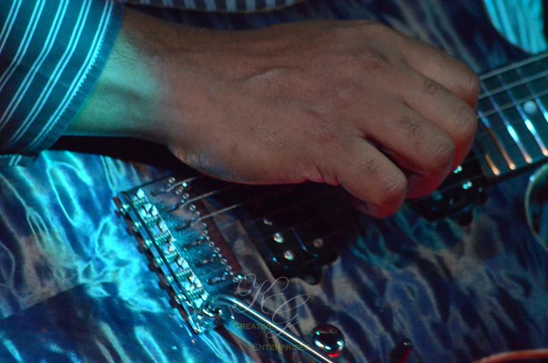Bernie Williams - hands