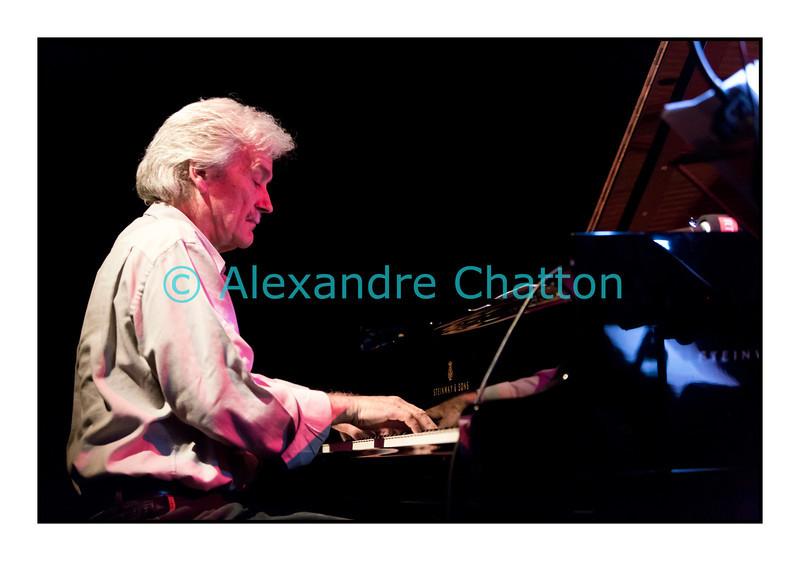 Mardi 4 décembre 2012: le pianiste François Lindemann en concert public au Studio 15 de la RTS à Lausanne avec une partie des musiciens qu'il côtoie depuis des décennies.<br /> Ici, François Lindemann.