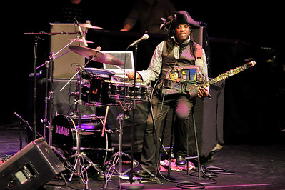 Bela Fleck & The Flecktones performs at The Barbican - 15/11/09