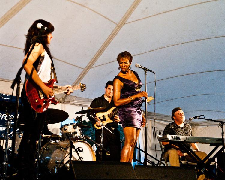 Donna Grantis & Shakura S'aida with Lance Anderson on keyboards.