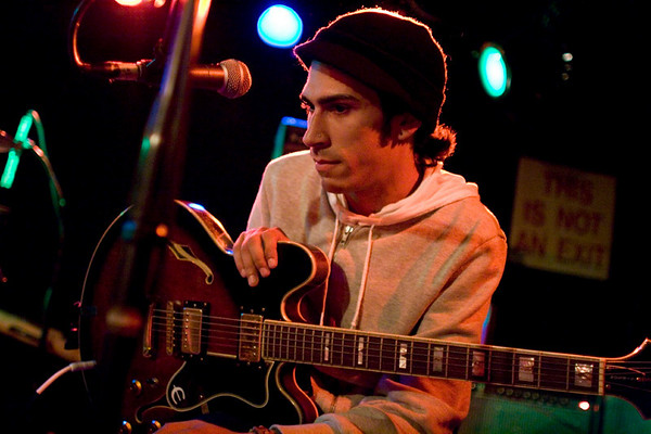 Jesse Lacey and Vin Accardi of Brand New - Mercury Lounge, NYC - October 17th, 2007 - Pic 9