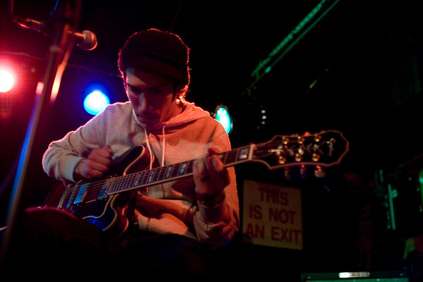 Jesse Lacey and Vin Accardi of Brand New - Mercury Lounge, NYC - October 17th, 2007 - Pic 5