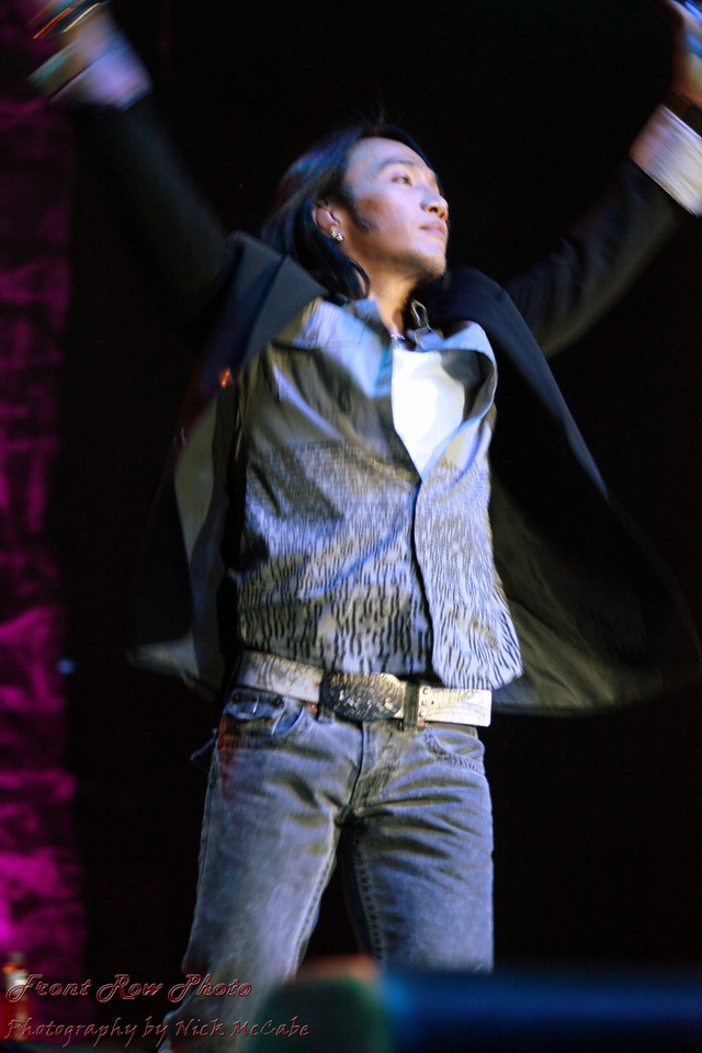 Arnel Pineda, born in Sampaloc, Manila, in the Philippines, began singing at age 5. His parents had encouraged him to enter amateur singing contests. At a young age on forward, he continued to be recognized for his vocal abilities throughout most his life.