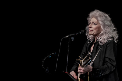 Econosmith com Judy Collins MR-0383