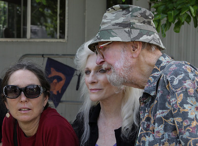 Tinya Seeger, Judy Collins and Pete Seeger.