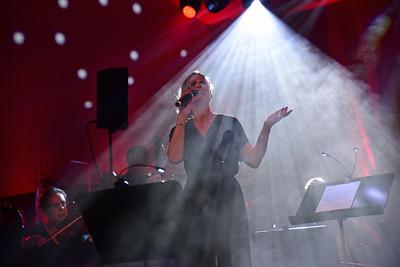 Julsång –Jenny Eriksen med orkestern