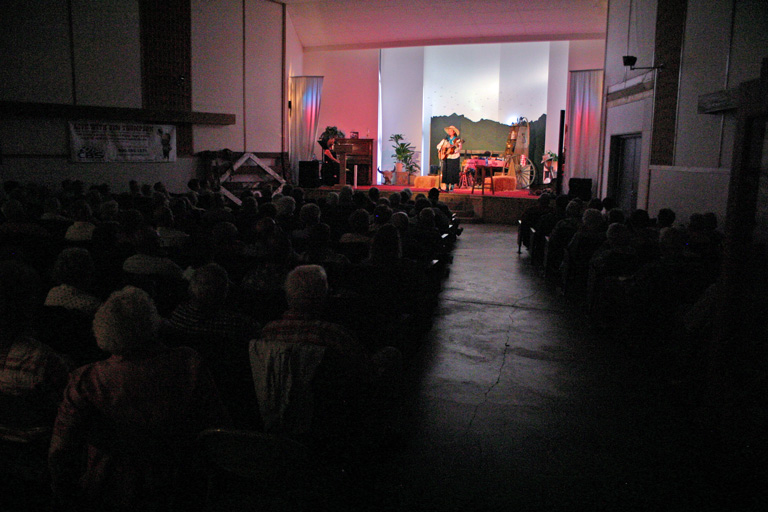 It was a full house again this year, when Juni Fisher took to the stage.