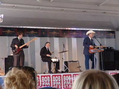 Junior Brown at Roc-n-rods on Route 66, 2006
