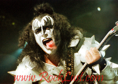 """K""   KISS - Gene Simmons"