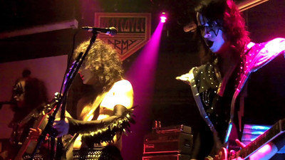 "KISS Destroyer @ Wiz 9-10-10 ""Rock & Roll All Night"""