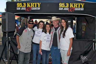 Kenney Chesney Concert at Shoreline with Gary Scott Thomas and Julie Stevens, KRTY