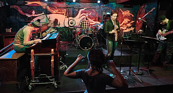 2016-11-09  Kate Olson Band