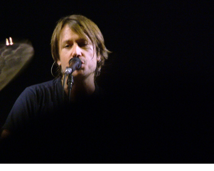 Carrie Underwood and Keith Urban by Kym Puga copyrighted