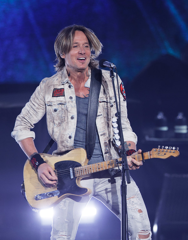. Keith Urban at DTE on 6-22-2018.  Photo credit: Ken Settle