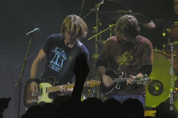 Detroit, State Theatre<br /> ... Keith and Chad again