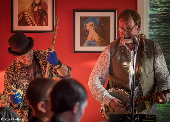 Kelburn Viaduct Municipal Ensemble Jug Band, Kelburn Village Pub, 29 June 2014