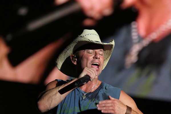 Bracket Town and Kenny Chesney in Houston