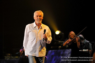 Kenny Rogers performs at the State Theatre in Easton, Pa. February 5, 2009 All Photos © Tim Wynkoop Photography