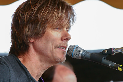 Econosmith com Kevin Bacon HR-4014